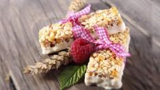 Pratik Yulaflı Ve Kuru Meyveli Diyet Bar Tarifi